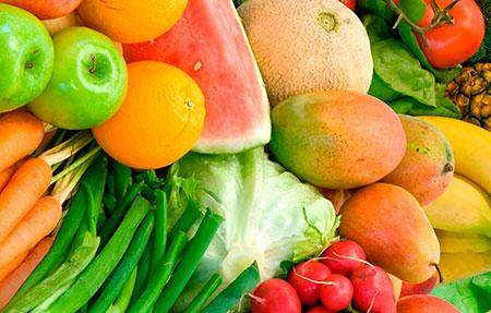 фрукты и овощи вместе с боннским супом